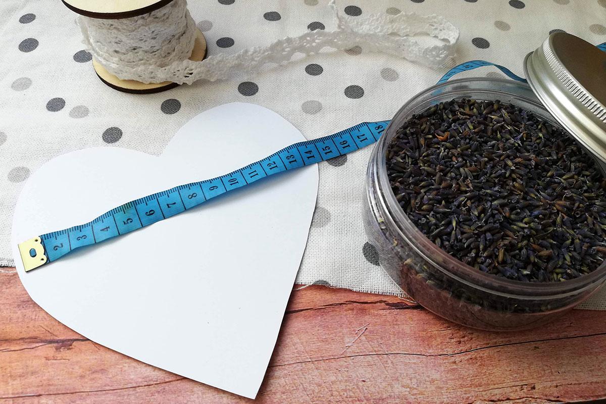 DIY Lavendelduftkissen mit ätherischen Ölen